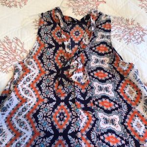 Soprano Dresses - Gorgeous and flowy summery-print tie-back dress